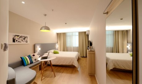 devis gratuit vitrine entreprise l 39 horme bon artisan vitrier. Black Bedroom Furniture Sets. Home Design Ideas
